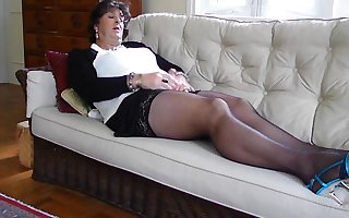 Carolyn Cums in Stockings